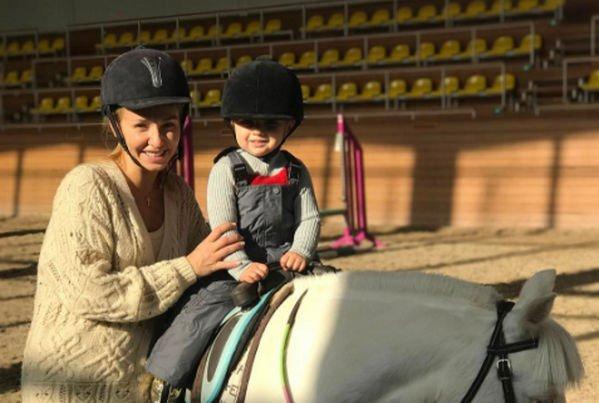Дочь Татьяны Навки поразила своими спортивными трюками