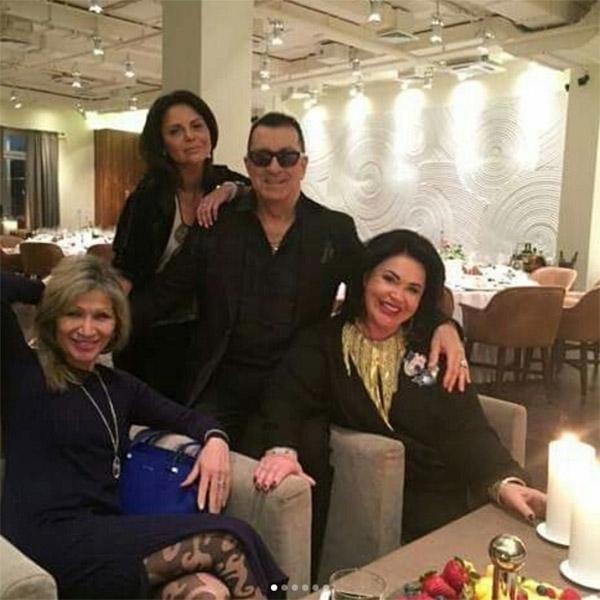 Александр Буйнов отметил день рождения в компании роскошных женщин