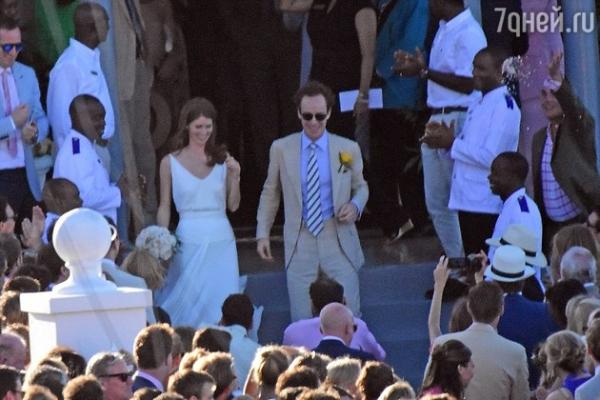 Принц Гарри перебрал с коктейлями на свадьбе приятеля
