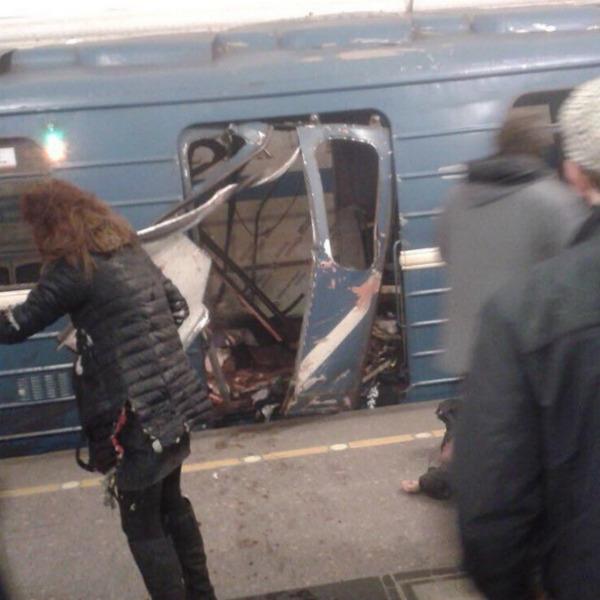 В метро Санкт-Петербурга произошли взрывы