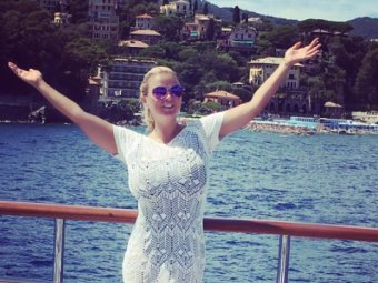 Анна Семенович напугала поклонников сообщением о своей болезни