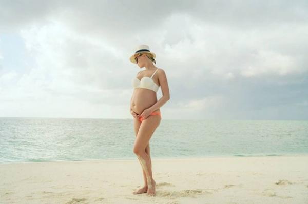 Полина Гагарина официально подтвердила свою беременность
