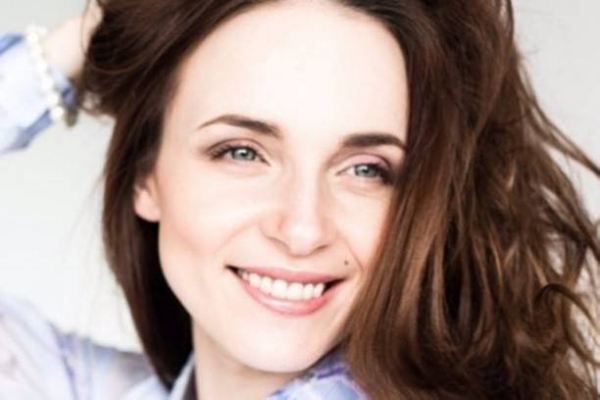 Анна Снаткина произвела фурор своим декольте