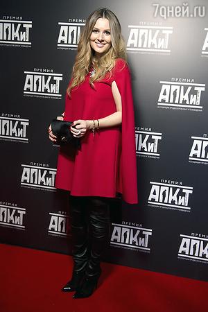 ЭКСКЛЮЗИВ: Анна Банщикова вышла в свет после рождения дочери