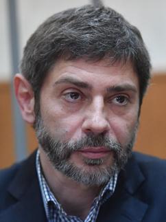 Николаев извинился перед Запашным за «обколотых хищников»