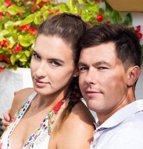 Сломавшая позвоночник Мария Комиссарова подарила мужу первенца
