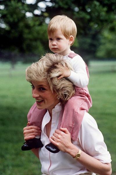 Принц Гарри справился со смертью матери с помощью психотерапевта