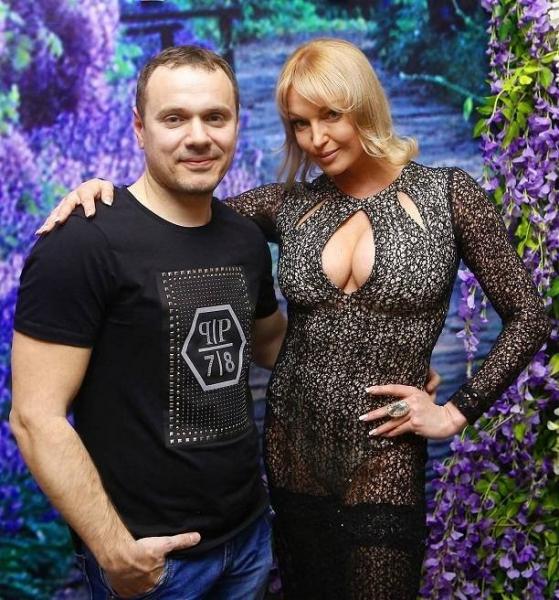 Анастасия Волочкова ужаснула кошмарным прозрачным платьем