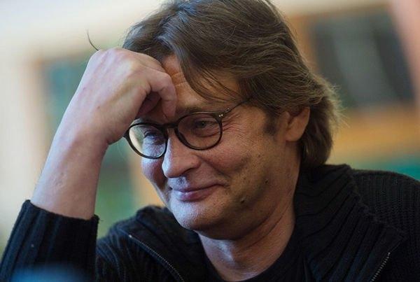 Сын Александра Домогарова переживает финансовые трудности