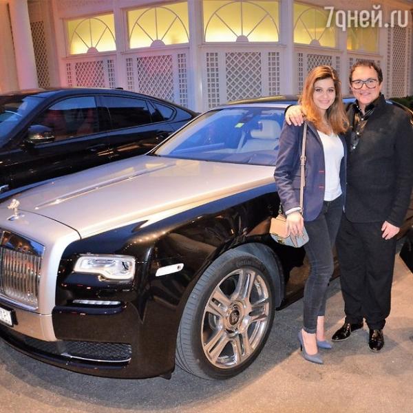 Дмитрий Дибров впервые вышел в свет с дочерью