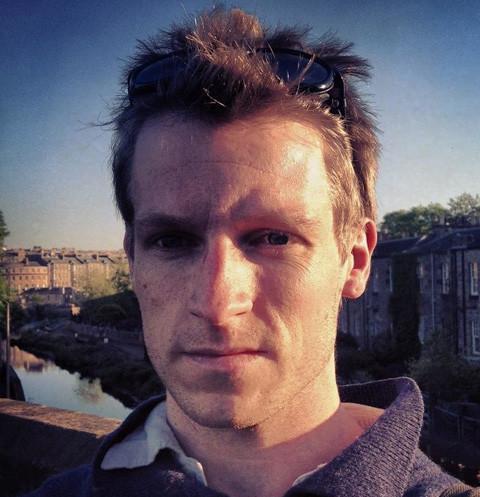Звезда «Интернов» Казимир Лиске разбился после падения из окна