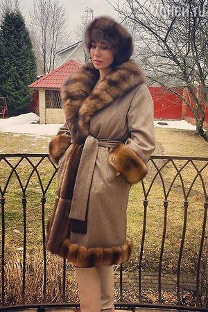 Алика Смехова переделала соболиную шубу в пальто