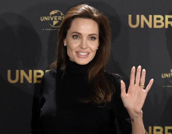 Анджелина Джоли возобновила отношения с бывшим