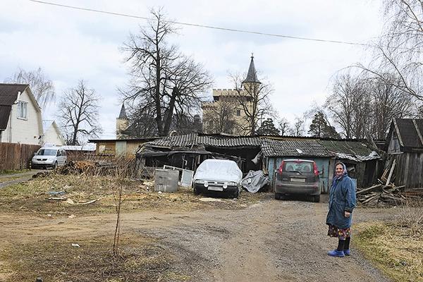 Пугачева и Галкин строят пляж в деревне Грязь