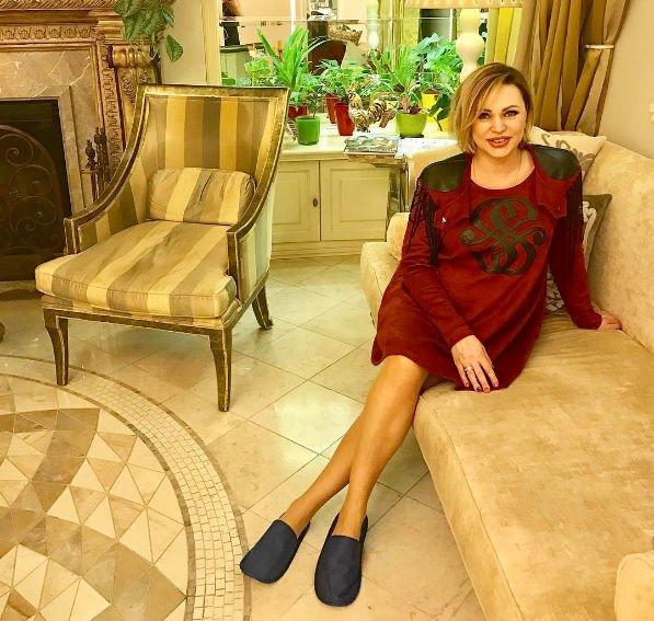 Алла Довлатова стала мамой в четвертый раз