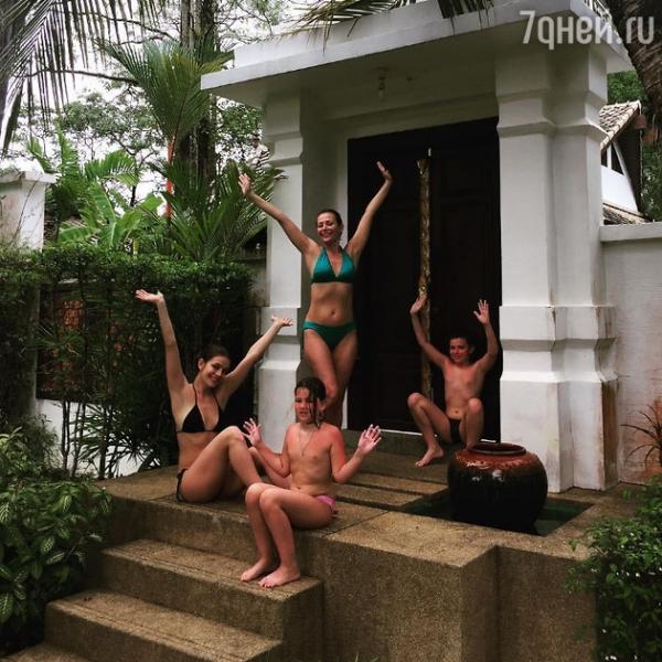 43-летняя Екатерина Волкова похвасталась фигурой в бикини