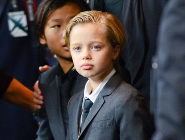 Шарлиз Терон попала под волну критики из-за внешнего вида своего сына