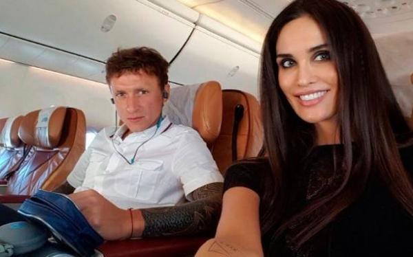 Хакеры обнародовали интимные фото жены футболиста Павла Мамаева