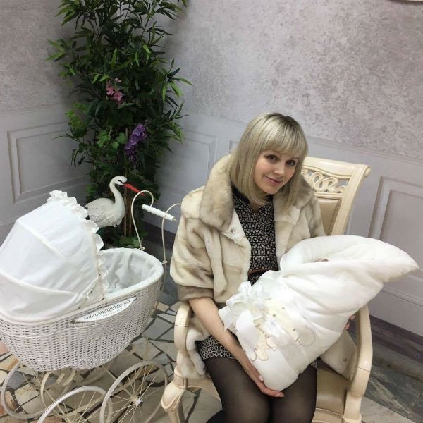 Семья певицы Натали спорит из-за новорожденного малыша