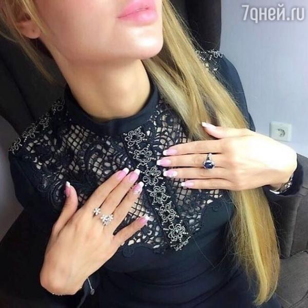 Анну Калашникову обвинили в безвкусице