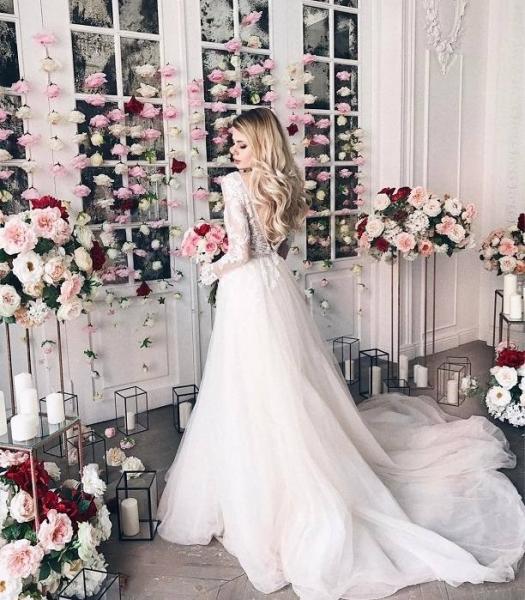 Невеста Преснякова Алена Краснова показала свадебное платье