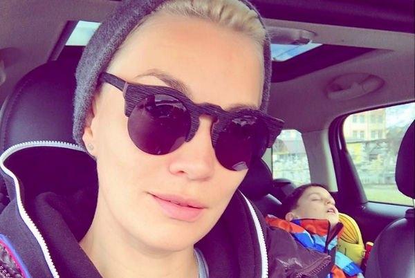 Юлия Костюшкина удивила крупной татуировкой