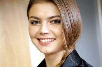 Наряд Алины Кабаевой вызвал бурю обсуждений в сети