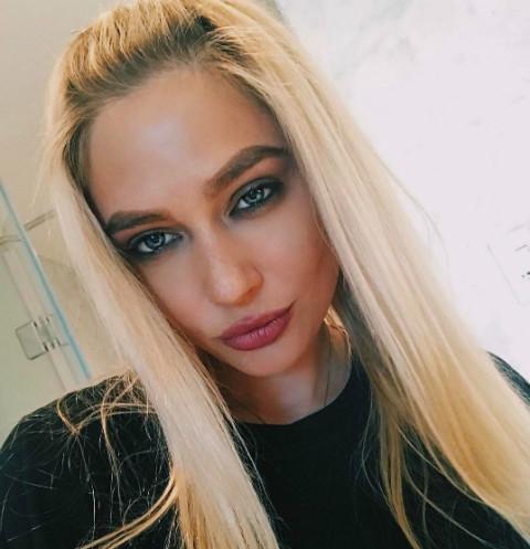 Наталья Рудова разделась на публике