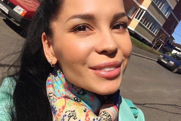 Юлия Салибекова наказывает детей