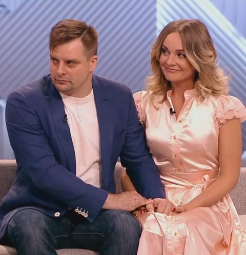 Настя Крайнова сходит с ума от любви к Александру Носику