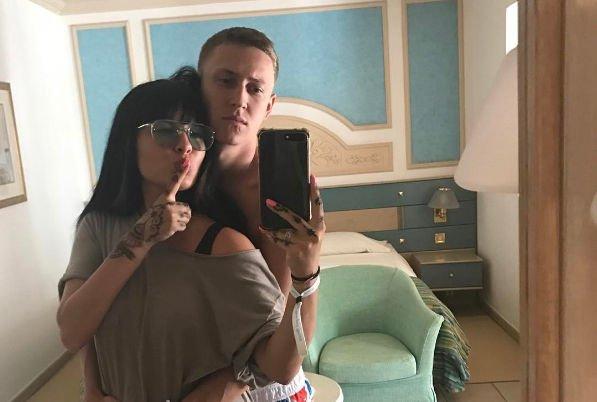 Нелли Ермолаева получила приятный сюрприз от мужа