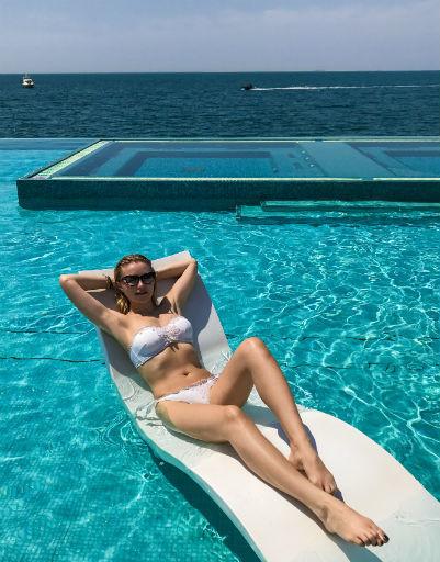 Инна Маликова похвасталась фигурой в Арабских Эмиратах