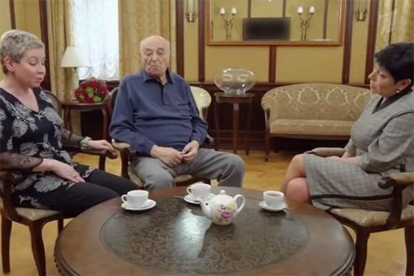 Владимир Этуш получил в подарок обновленный садовый участок