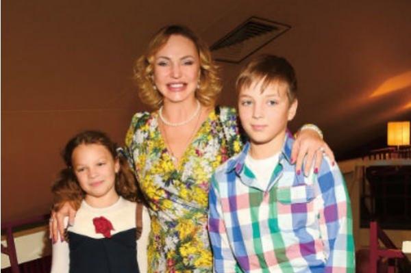 Алла Довлатова беспокоится о своих детях