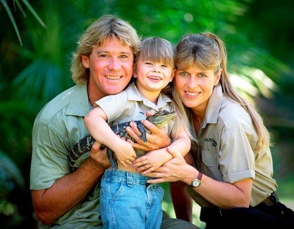 Дочь Стива Ирвинга опровергла слухи об отношениях матери и Рассела Кроу