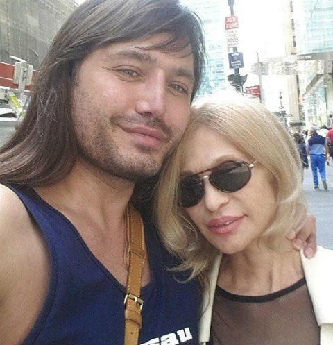 Рустам Солнцев вложился в пластические операции для мамы