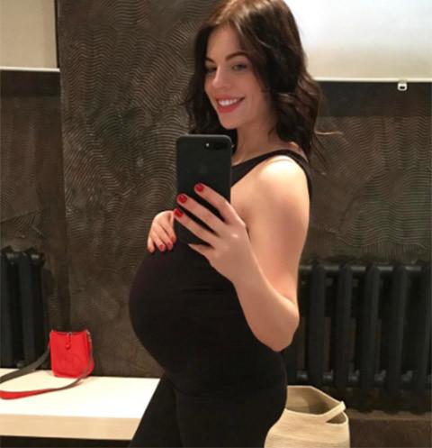 Беременная Стоцкая злоупотребляет сладостями накануне родов