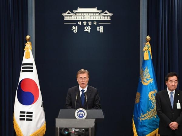 Жительницы Южной Кореи сходят с ума по телохранителю нового президента