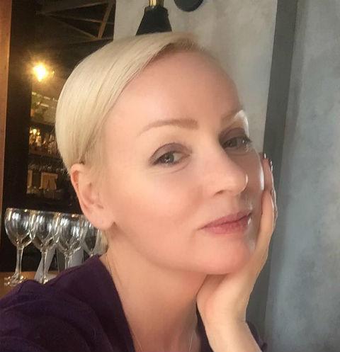 52-летняя Жанна Эппле поразила фигурой в бикини