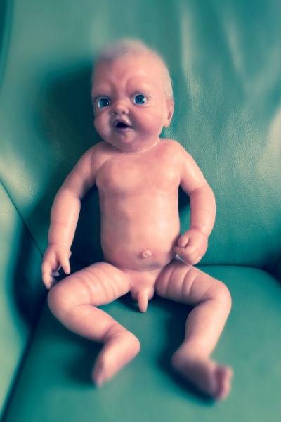 Витас занялся продажей силиконовых кукол