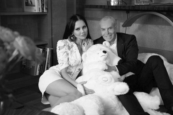 Елена Галицына провела вечер в своем доме с легендарным дизайнером