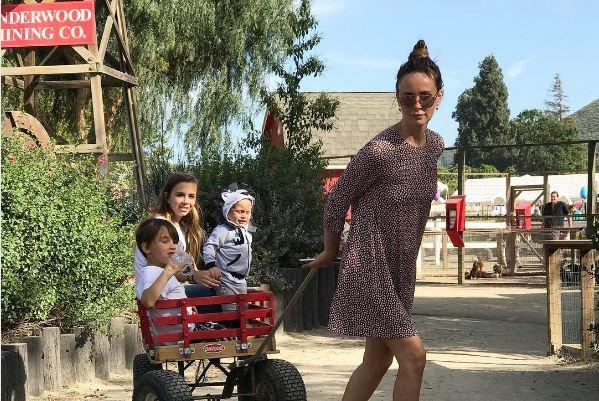Саша Зверева высказалась о стремлении женщин похудеть после родов