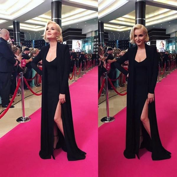 Полина Гагарина выбрала чёрный наряд с глубоким вырезом для премии RU.TV
