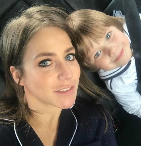 Юлия Барановская сбежала с сыном за границу