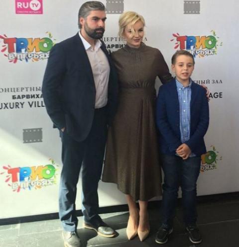 Похудевшая Полина Гагарина вернулась к светской жизни