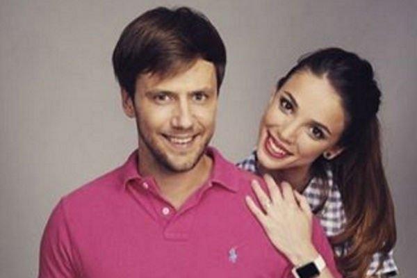 Возлюбленная Ивана Жидкова сообщила о том, что является мамой очаровательной дочки