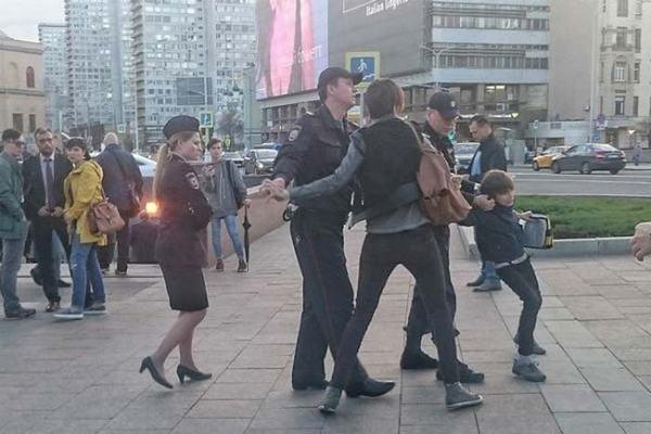 Уличные музыканты Арбата: «За 25 лет мы повидали многое»