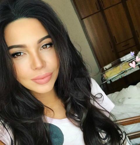 Оксана Самойлова похвасталась фигурой после родов