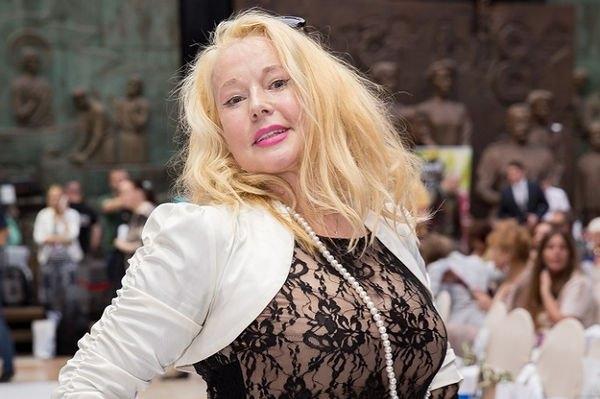 Елена Кондулайнен продемонстрировала фигуру в купальнике