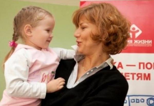 Елена Бирюкова призналась в интервью, что после диагноза онкология не знала, как жить